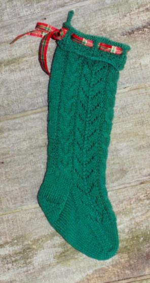 Hoseshoe Cable and Lace Stocking